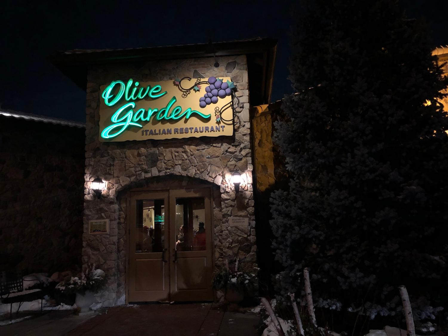 This family-style restaurant is located in Orland Park on 152nd St. and Lagrange Rd. It's conveniently located by Orland Square Mall, making it an easy go-to dinner spot after a long day of shopping.