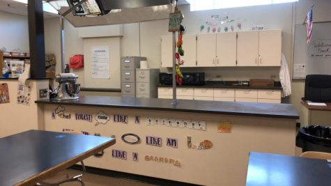 The countertops of the school kitchen remain empty, appliances unused as the new hybrid attendance schedule settles in. Students will once again begin making use of the kitchen in upcoming weeks to cook simple recipes like applesauce.